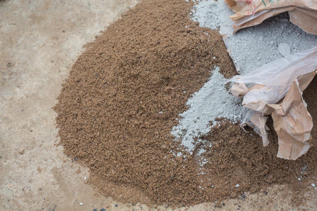 Rénovation : mélange sable et ciment